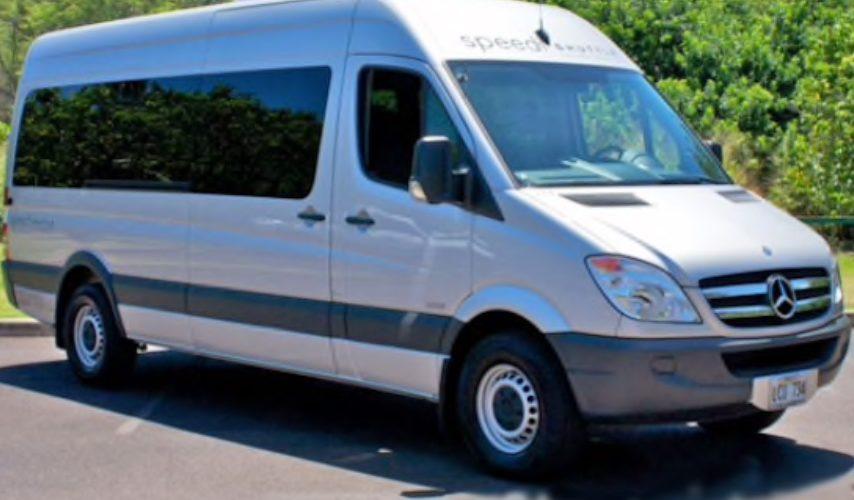コオリナの足、シャトルバスかタクシーかレンタカーか?