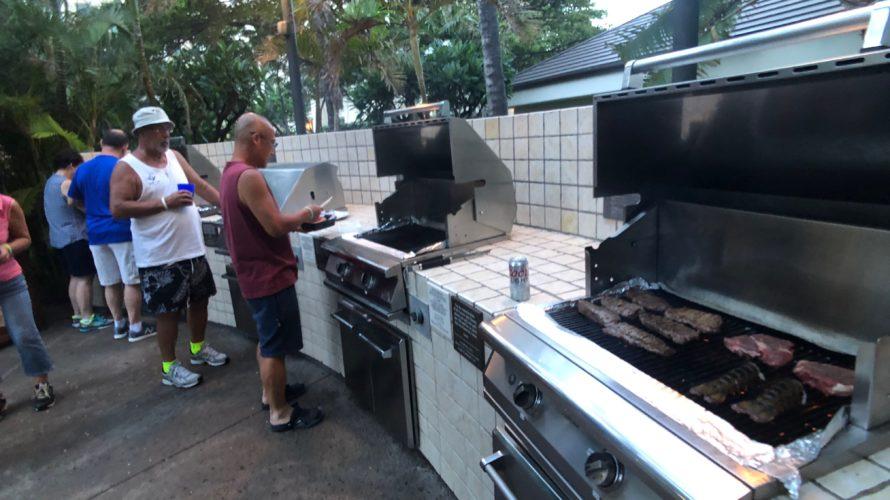 マリオット・コオリナ・ビーチクラブでのディナーは肉を焼く!